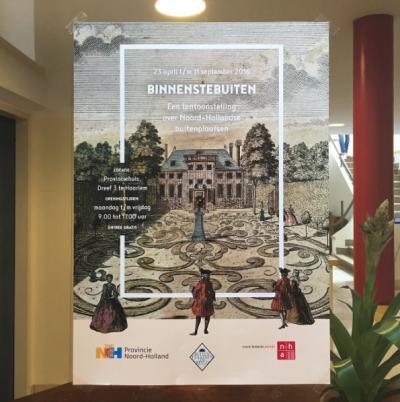 De poster van Binnenstebuiten is af! De tentoonstelling is vanaf zaterdag te zien in de binnentuin van het provinciehuis!