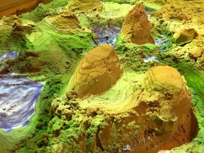 De Augmented Reality zandbak in Huis van Hilde is terug van weggeweest! Vanaf nu permanent te bezoeken in Castricum.