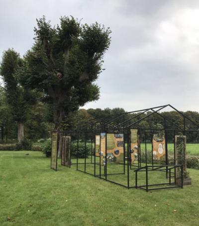 De reizende tentoonstelling Binnenstebuiten is neergestreken naast Chateau Marquette in Heemskerk.