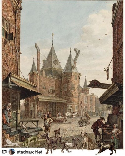 In de tentoonstelling #KijkAmsterdam zijn maar liefst 209  afgebeeld. En maar 1 . Geloof je het niet? We dagen je uit om na te komen tellen in @stadsarchief